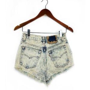 Vintage LEVI'S Cut Off Jean Shorts Acid Wash